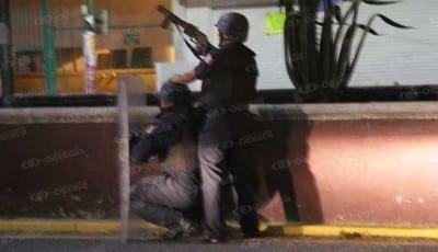Defensa y contraataque. Fotoes.mx