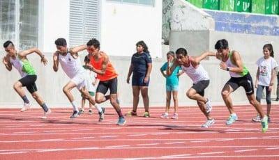 ¡A correr se ha dicho! en la nueva pista de atletismo. Foto: Cortesía